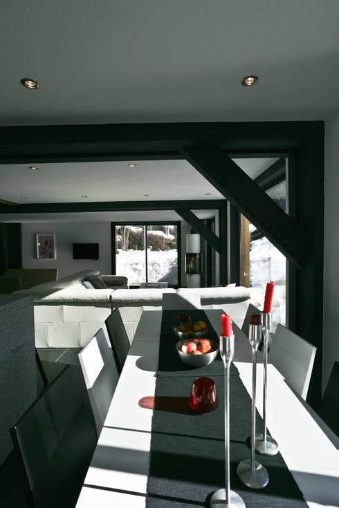 Projekty,  Jadalnia zaprojektowane przez Chevallier Architectes