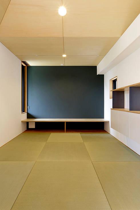 Ruang Keluarga by miyukidesign