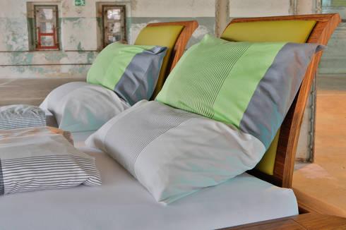 drehbares bett mit integriertem soundsystem by schreinerei haas mathias homify. Black Bedroom Furniture Sets. Home Design Ideas
