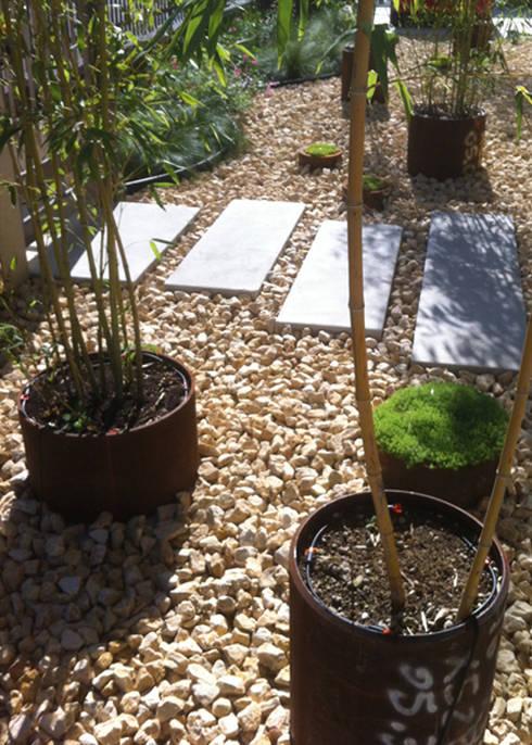Realizzazioni: Giardino in stile  di Ravanelli Giardini