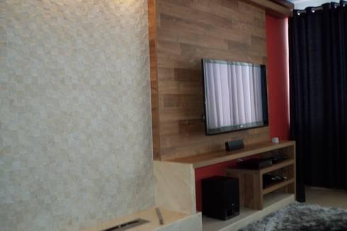 Cobertura Zona Norte: Salas multimídia modernas por Elaine Medeiros Borges design de interiores