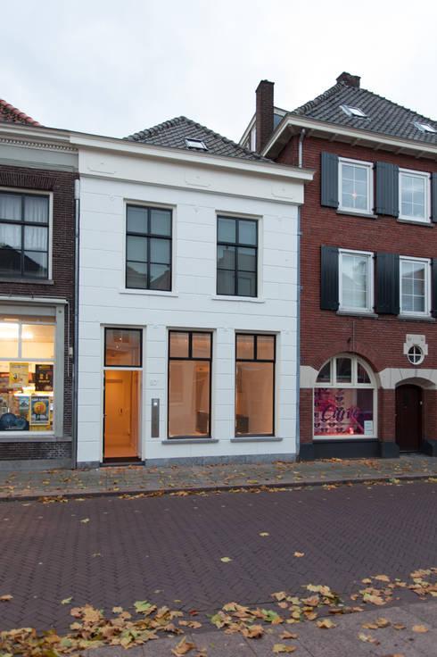 de (drie) Moriaen(en): minimalistische Huizen door architectenbureau Huib Koman (abHK)