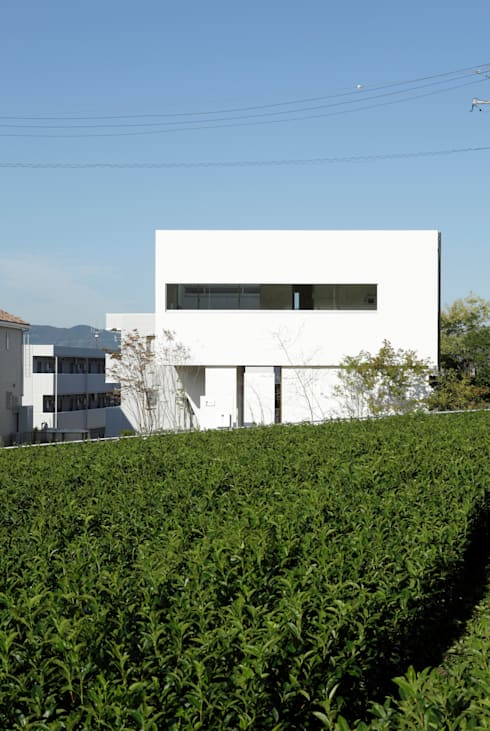 modern Houses by 久保田正一建築研究所