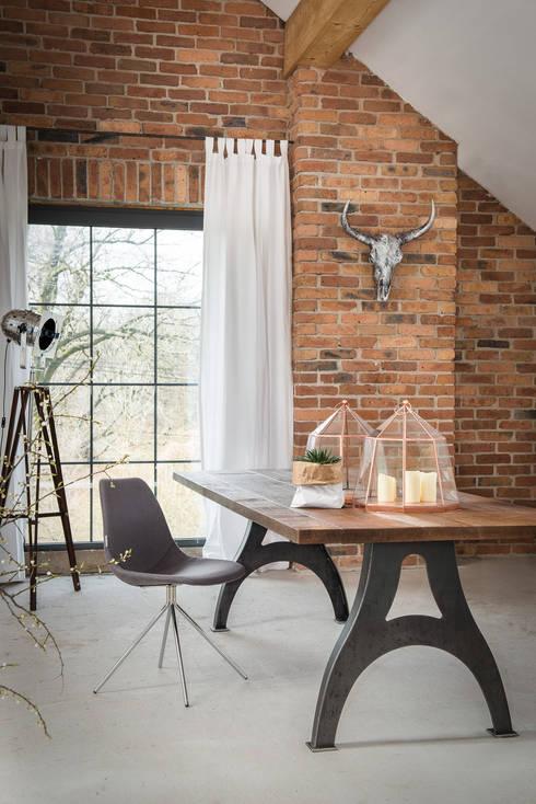 Stół Industrialny C-Frame: styl , w kategorii Jadalnia zaprojektowany przez Kornik