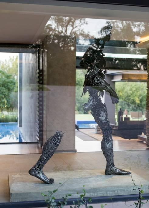 งานศิลปะแต่งบ้าน by Nico Van Der Meulen Architects
