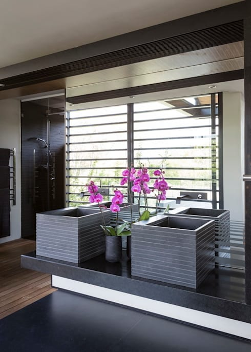 ห้องน้ำ by Nico Van Der Meulen Architects