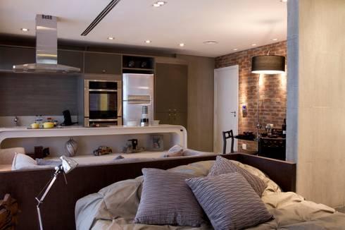 Ambientes integrados: Cozinhas modernas por Ana Bartira Brancante Arquitetura
