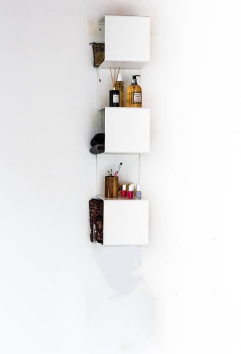 Baños de estilo  por Anne Linde