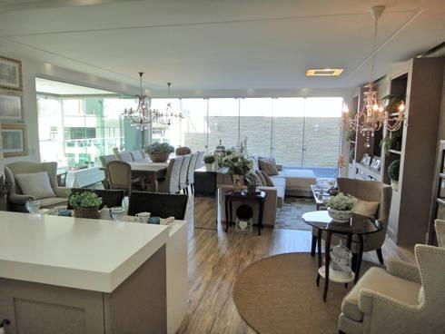 Living: Salas de estar ecléticas por Gabriela Herde Arquitetura & Design