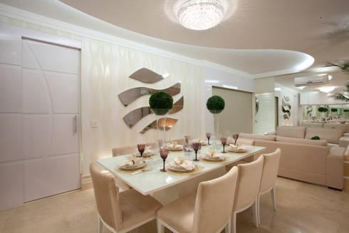 Apartamento Jatobá: Salas de jantar modernas por Designer de Interiores e Paisagista Iara Kílaris