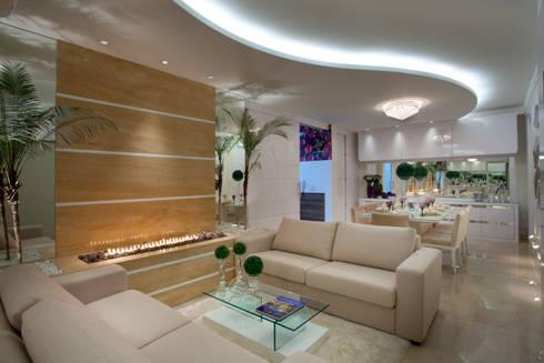 Apartamento Jatobá: Salas de estar modernas por Designer de Interiores e Paisagista Iara Kílaris