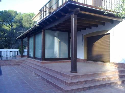 Pérgola: Jardín de estilo  de Aiparquet