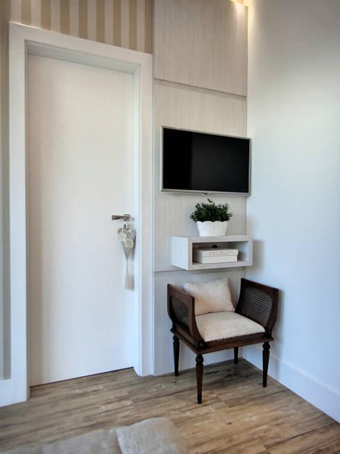 Suite Master: Quartos  por Gabriela Herde Arquitetura & Design