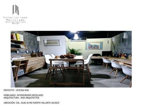 proyecto despacho RGR arquitectos: Oficinas y tiendas de estilo  por INTERIORISMORECICLADO