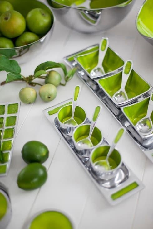 Lime Range: modern Dining room by Oh So Pretty