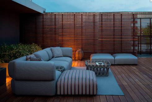 Mobiliario de jardines y exteriores por muebles caparros for Mobiliario para exteriores