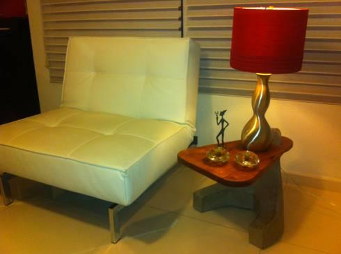 mesa auxiliar : Hogar de estilo  por Armatoste studio