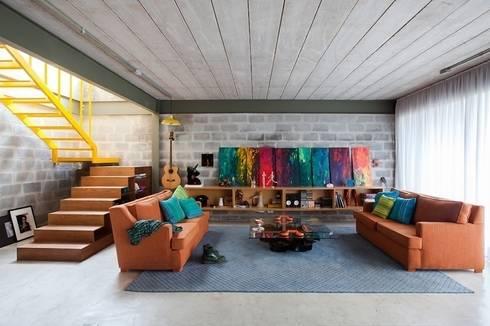 Residência Bandeiras: Salas de estar industriais por ARKITITO