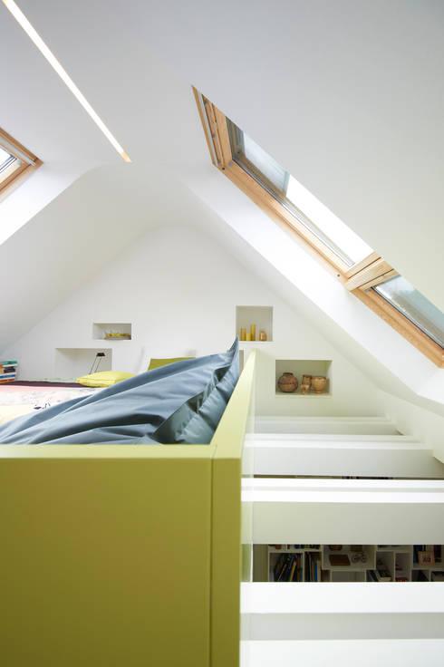 Dachstudio Hamburg:  Fenster von DODK Architekten BDA