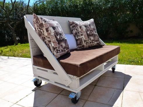 canap 2 places roulettes en palettes par 2nd chance. Black Bedroom Furniture Sets. Home Design Ideas