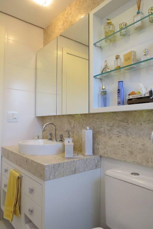 Banho suite: Banheiros modernos por Paula Oliveira Szabo Arquitetura