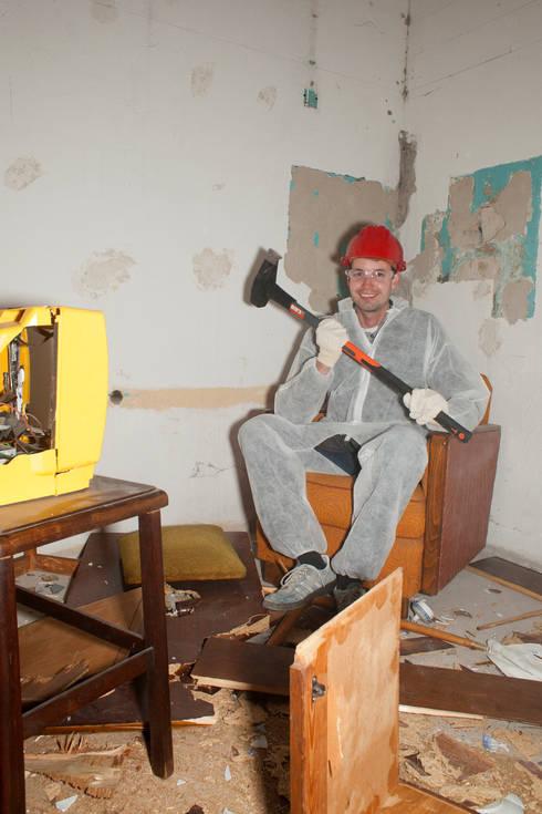 crash room berlins erster wutraum von creaty products homify. Black Bedroom Furniture Sets. Home Design Ideas