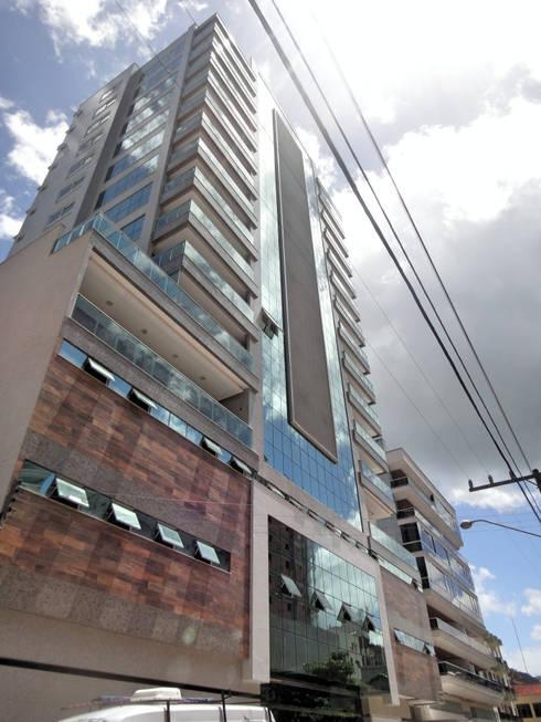 Composicao de Fachada: Casas modernas por Gabriela Herde Arquitetura & Design