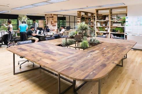 office 1 青山: gleamが手掛けた勉強部屋/オフィスです。