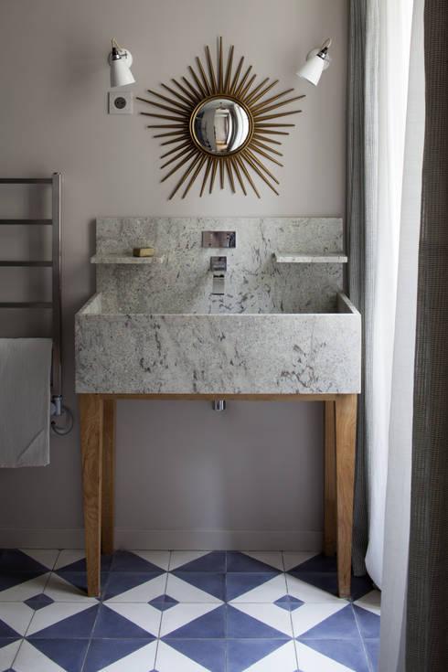 Salle de bain: Salle de bain de style  par Atelier architecture située