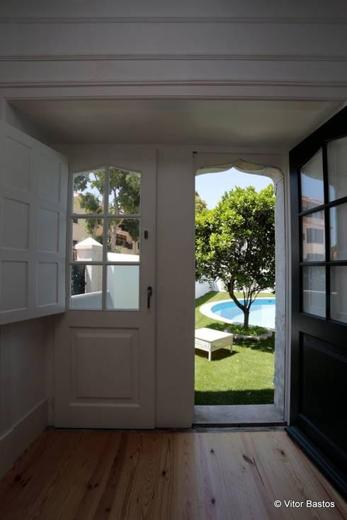 Villa Vasco da Gama | Guest House | Cascais: Janelas   por shfa