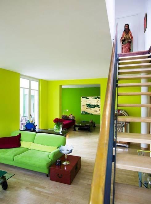KOE:  Wohnzimmer von cpm gesellschaft von architekten mbh
