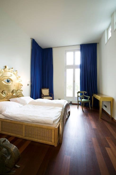 KOE:  Schlafzimmer von cpm gesellschaft von architekten mbh