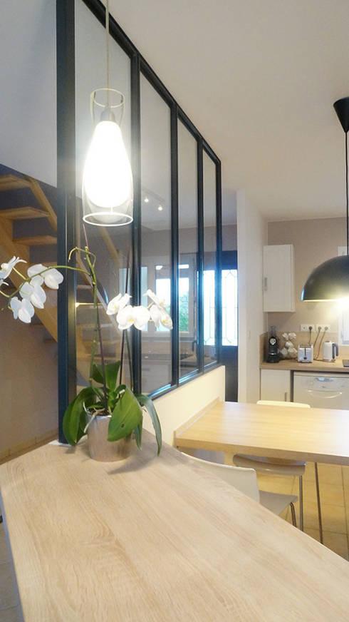 Decoration Et Relooking D Une Cuisine Avec Verriere Interieure By Am