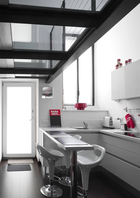 Architetto Barbara De Pascalis e Lorenzo Zanetti - ATELIER ARCHITETTURA -が手掛けたキッチン