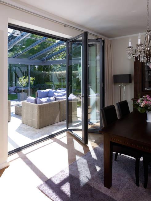 Finestre & Porte in stile  di Solarlux GmbH