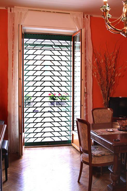 Puertas y ventanas de estilo  por Fides