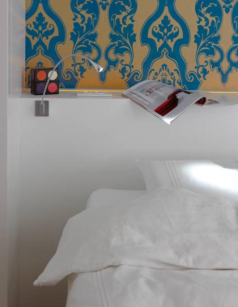 Herenwoning met stadstuin in het centrum van Mechelen:  Slaapkamer door aerts+blower bvba