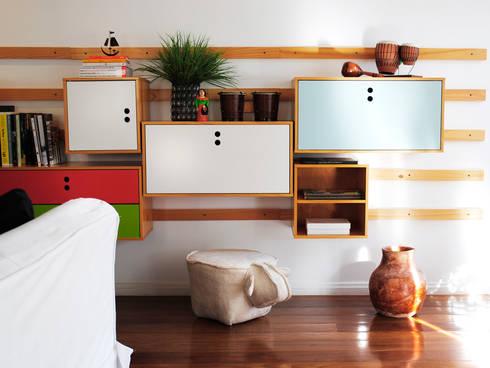 Encantado Flat: Salas de estar modernas por Red Studio