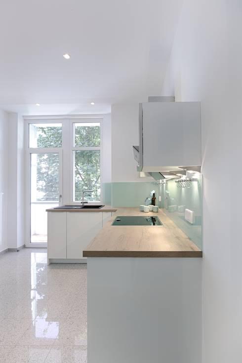 'Altbau Umbau' #Stuttgart: moderne Küche von Beck Architekten