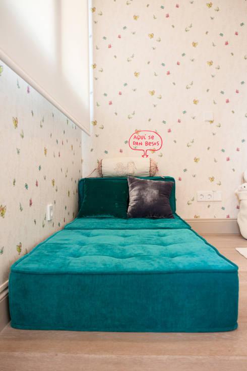 Interiorismo, C/ Cronista Cabreres e Ballester: Dormitorios infantiles de estilo  de Estatiba construcción