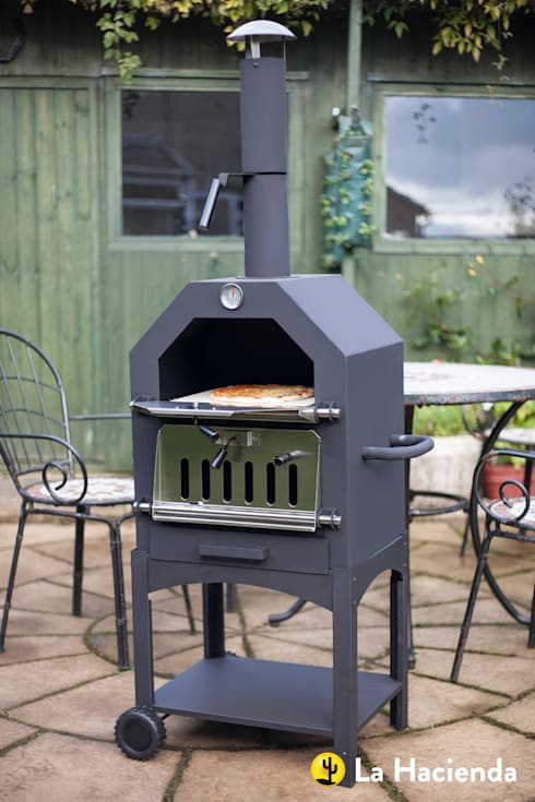 Lorenzo wood fired oven :  Garden  by La Hacienda
