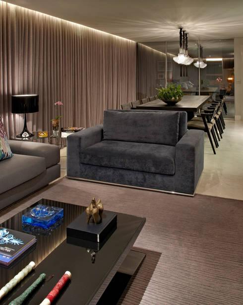 Salas Integradas: Salas de estar modernas por Andréa Buratto Arquitetura & Decoração