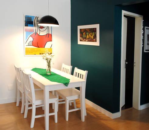 Santa Cecília Flat: Salas de jantar modernas por Red Studio