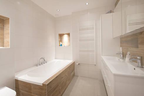 Van garage naar woonstudio: moderne Badkamer door Het Ontwerphuis