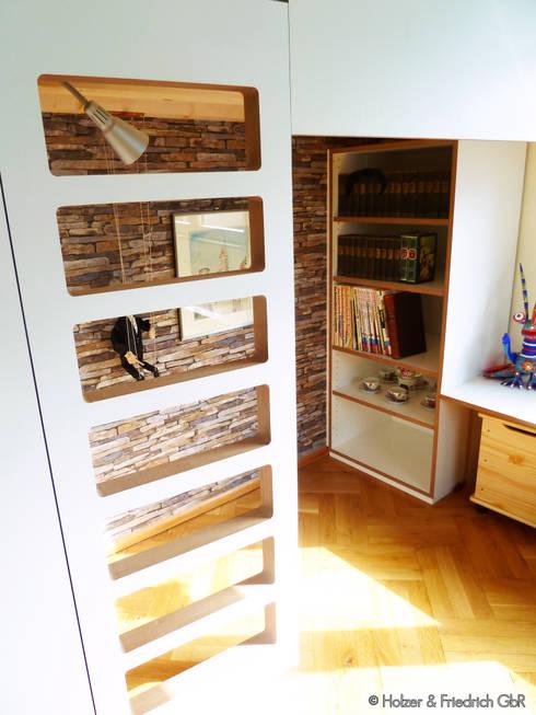 Nische / Koje: moderne Kinderzimmer von Holzer & Friedrich GbR