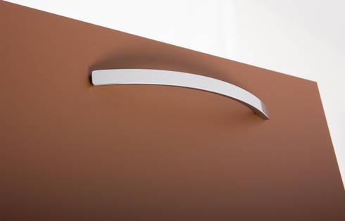 Tirador Arch: curvas perfectas: Cocina de estilo  de Viefe
