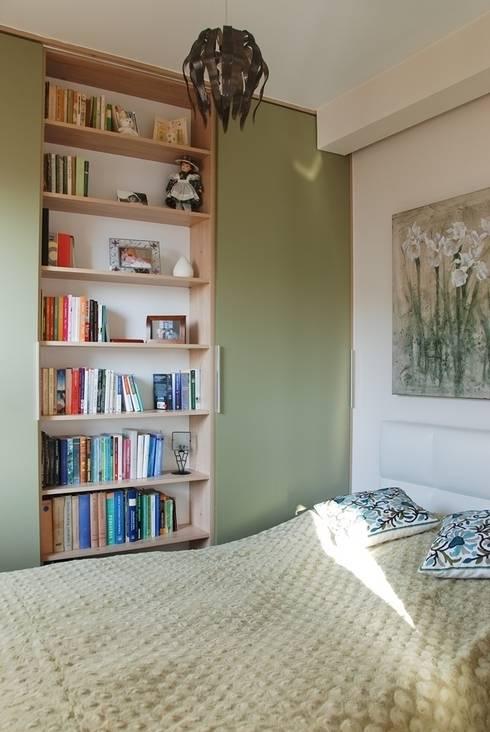 MIESZKANIE INSPIROWANE IMPRESIONIZMEM: styl , w kategorii Sypialnia zaprojektowany przez YNOX Architektura Wnętrz