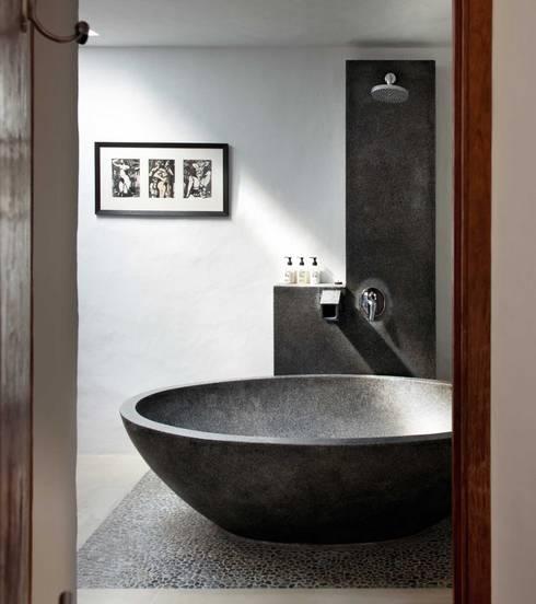 Dormitorios de estilo  por TG Studio
