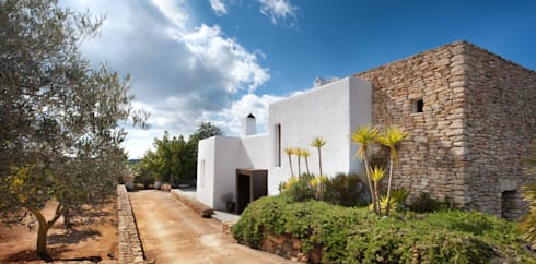 Exterior : mediterranean Houses by TG Studio