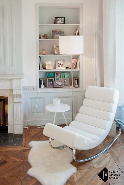 Look Total White: Chambre de style de style Classique par Carole Montias-Studio